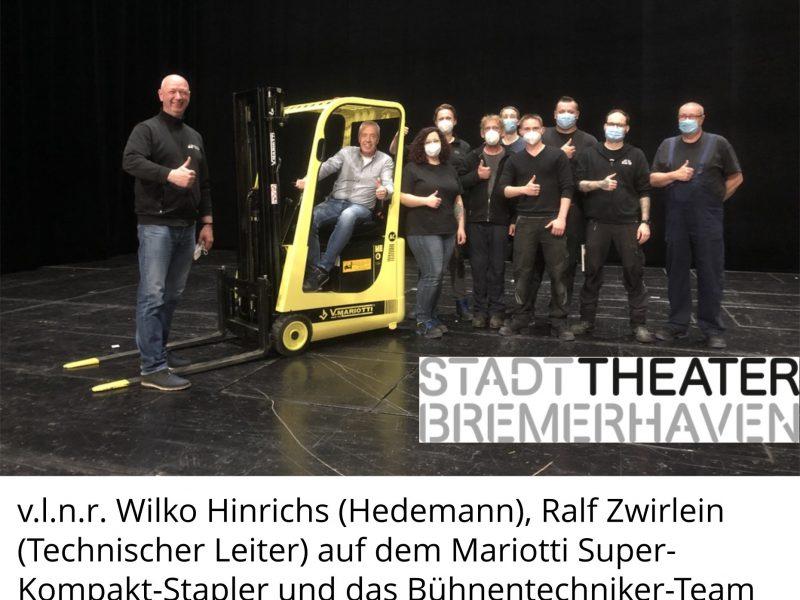 Mehr Arbeitssicherheit bei Bühnenarbeiten durch Super-Kompakt-Stapler